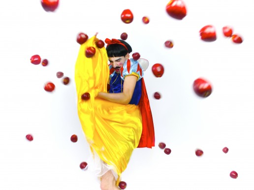 Artwork - Bullying by Nuno Roque - Oeuvre Snow White Disney Contemporary Art Pop Photography
