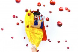 Bullying by Nuno Roque - Artwork - Oeuvre - Snow White - Disney - Contemporary Art Pop Photography