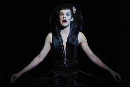 Dido and Æneas by Henry Purcell starring Nuno Roque - Sorceress - Opera National - Show - Theatre