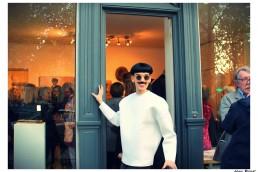 Nuno Roque - art gallery - Vernissage Exhibition Exposition Galerie - The Piano Body - Sculpture - Wearable - Fashion Paris - Moustache Mustache - sunglasses - museum - contemporary art opening show
